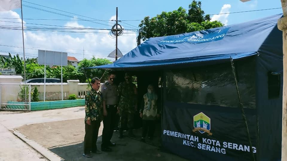 Pemasangan Tenda Posko PPKM